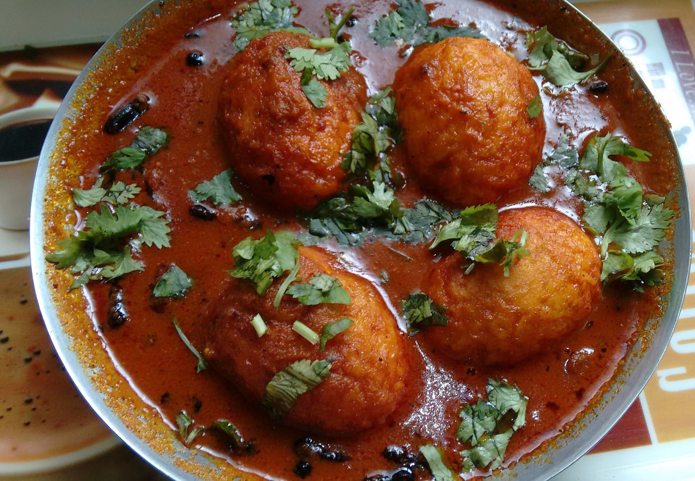 http://www.recipe4kitchen.com/egg-curry-in-tomato-gravy-recipe/